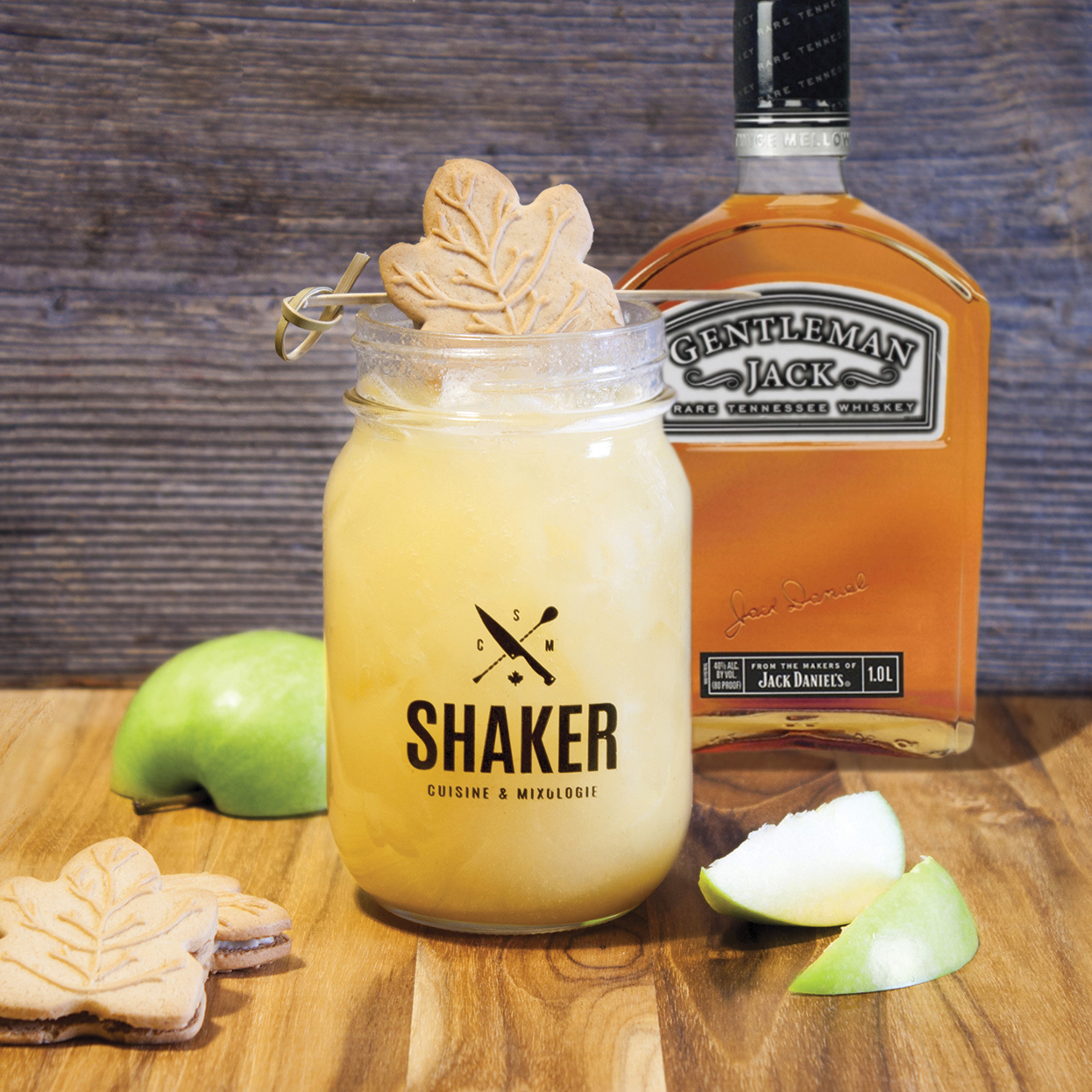 https://www.shakercuisineetmixologie.com/files/2019/03/Nouveau-cocktail-thématique-Le-Gentleman-Jack-à-la-cabane.jpg